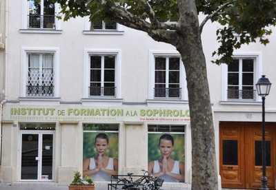 La sophrologue Laurence Roux-Fouillet cite l'IFS
