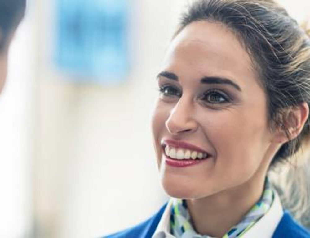 Le sourire au travail peut-il nuire au bien-être ?